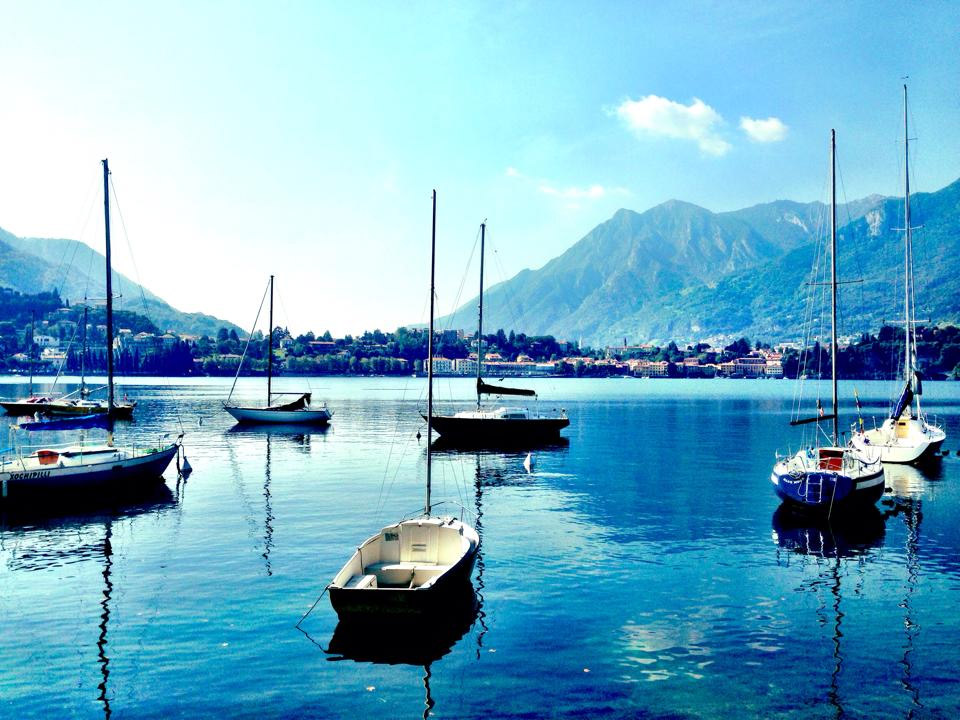 Lago di Lecco by: Red-made