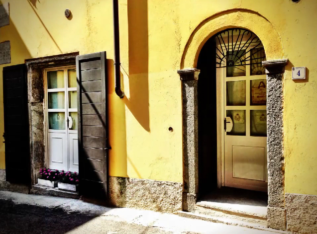 Borgo di Sant'Antonio by: Red-made